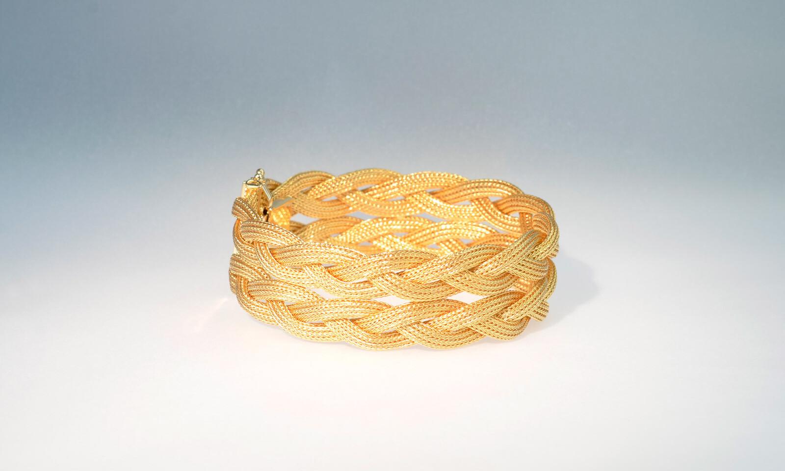 Armband 50 er zopf. Bracelet Gelbgold 750, 1950-er Jahre, Breite 21 mm, Länge 19.5 cm,  45.2 gr. CHF 3800.-