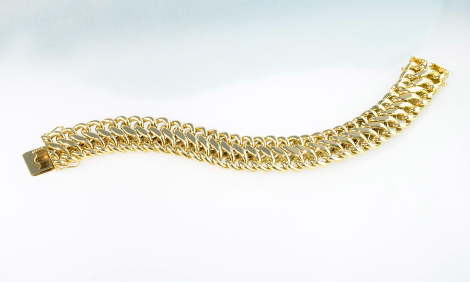 Bracelet Gold. Bracelet Gelbgold 750, 1950-er Jahre, Breite 16 mm, Länge 19 cm,  44.4 gr., CHF 3500.-