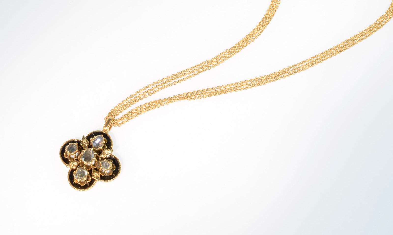 Anhaenger Antik Diamant Email. Anhänger um 1850, Gold 585 mit folierten Diamanten und schwarzem Email, CHF 2200.- (ohne Kette)