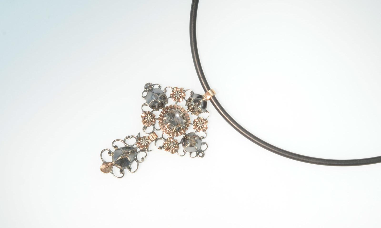Anhaenger holland. Anhänger Silber 833 und Rotgold mit Diamanten, Holland um 1830, CHF 2200.-