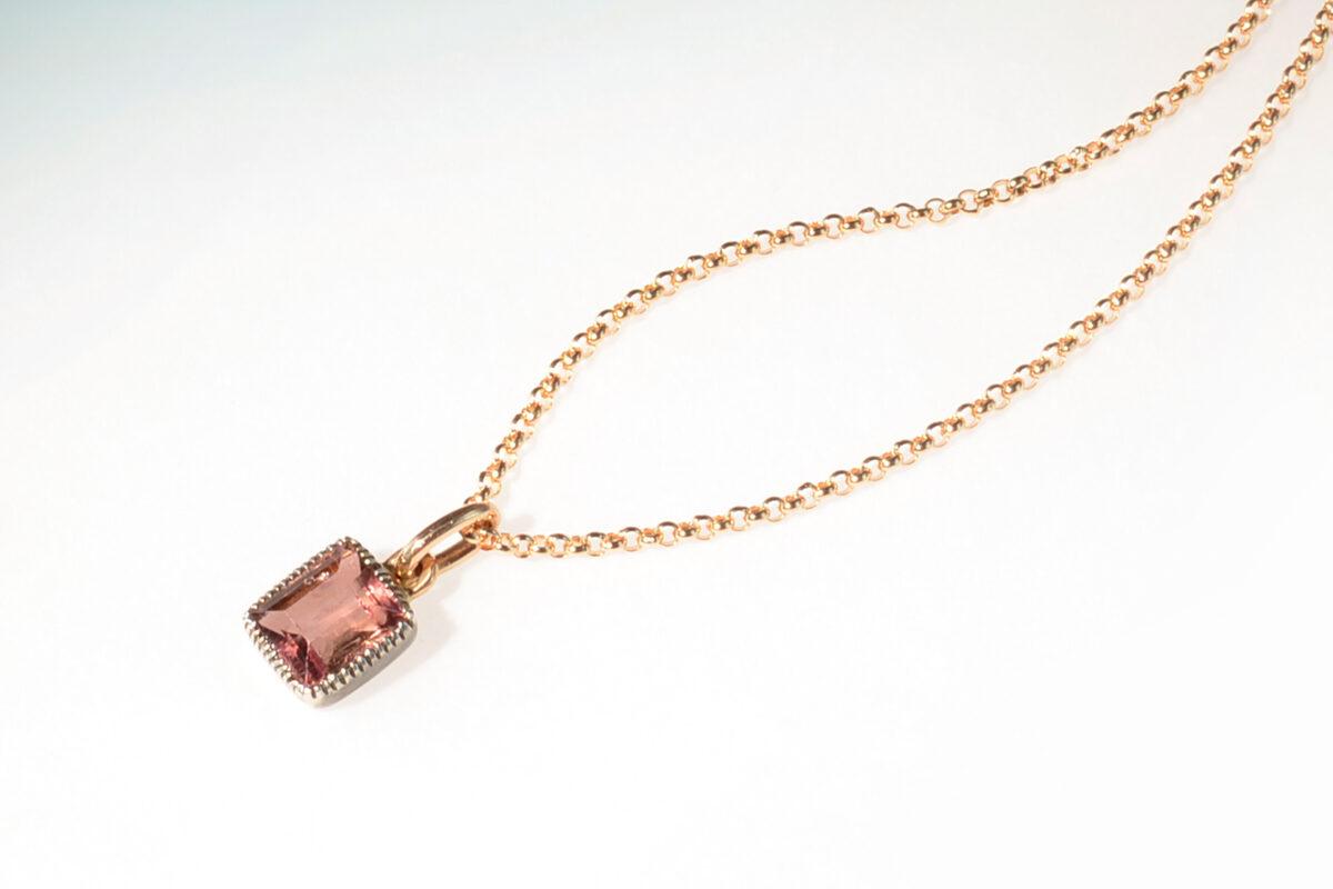 Anhaenger turmalin rosa