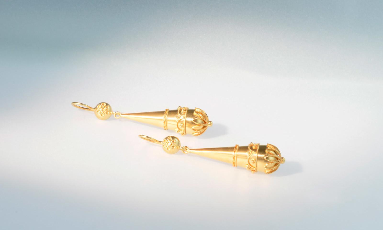 Ohrhaenger Granuliert. Ohrhänger um 1870, Gold 585 granuliert, CHF 1900.-