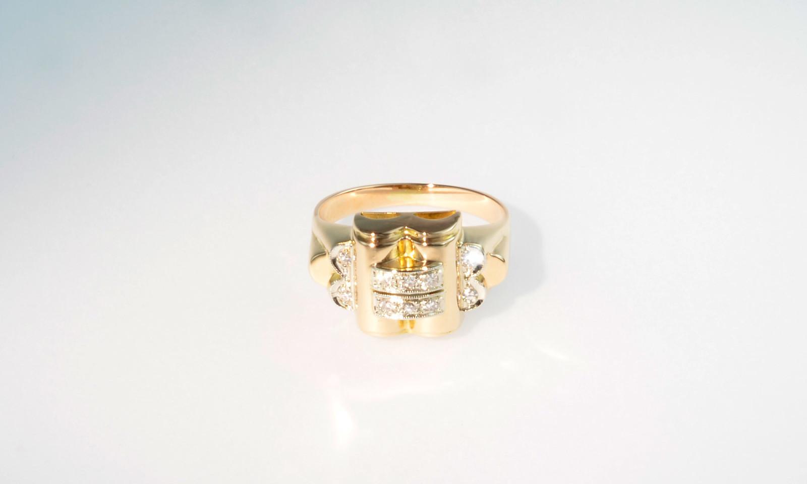 Ring Antik 1930. Ring Art Déco, Paris um 1930, Platin auf Rotgold 750 mit 10 Diamanten, CHF 1400.-