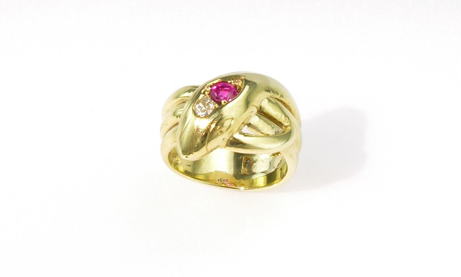 Schlangenring Antik. Schlangenring Gold 333 mit Rubin und Altschliff-Diamant, Deutschland um 1900, CHF 1500.-