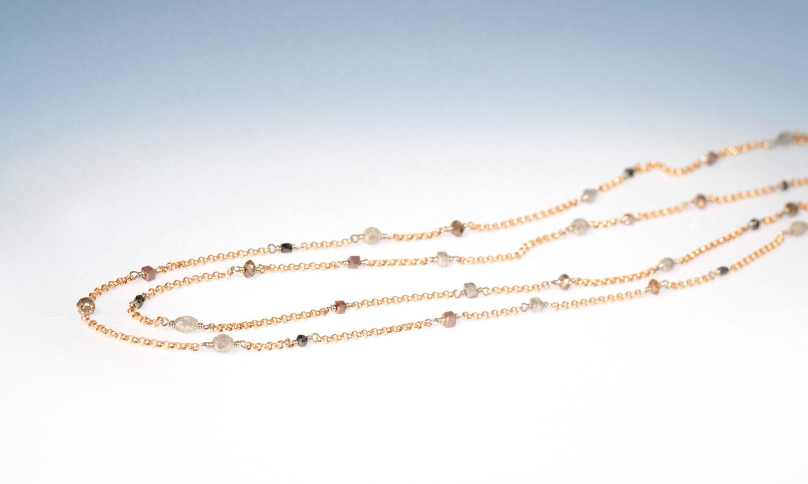 Diamkette rg wg farbig. Kette Rot-und Weissgold 750 mit naturfarbenen Diamanten d 1.5 - 2.5 mm, total 2.09 ct., Länge 46 cm, CHF 1900.-