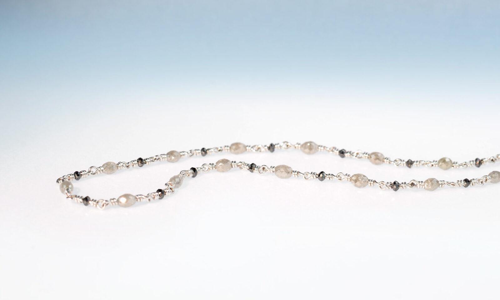 Kette diamant grau schwarz. Kette Weissgold 750 mit Diamanten grau natur 2.7 mm und schwarz 2.0 mm, 8.45 ct., Länge 45 cm, CHF 3600.-
