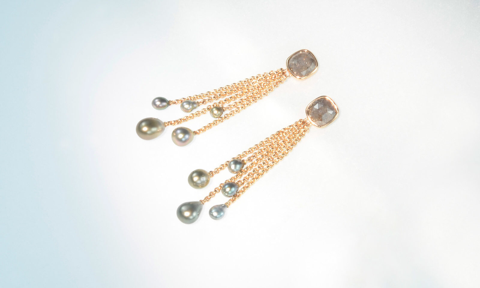 Ohrhaenger Keshi Diamant. Ohrhänger Rotgold 750 mit Diamanten im Rosenschliff und Keshi Tahitiperlen, CHF 5800.-