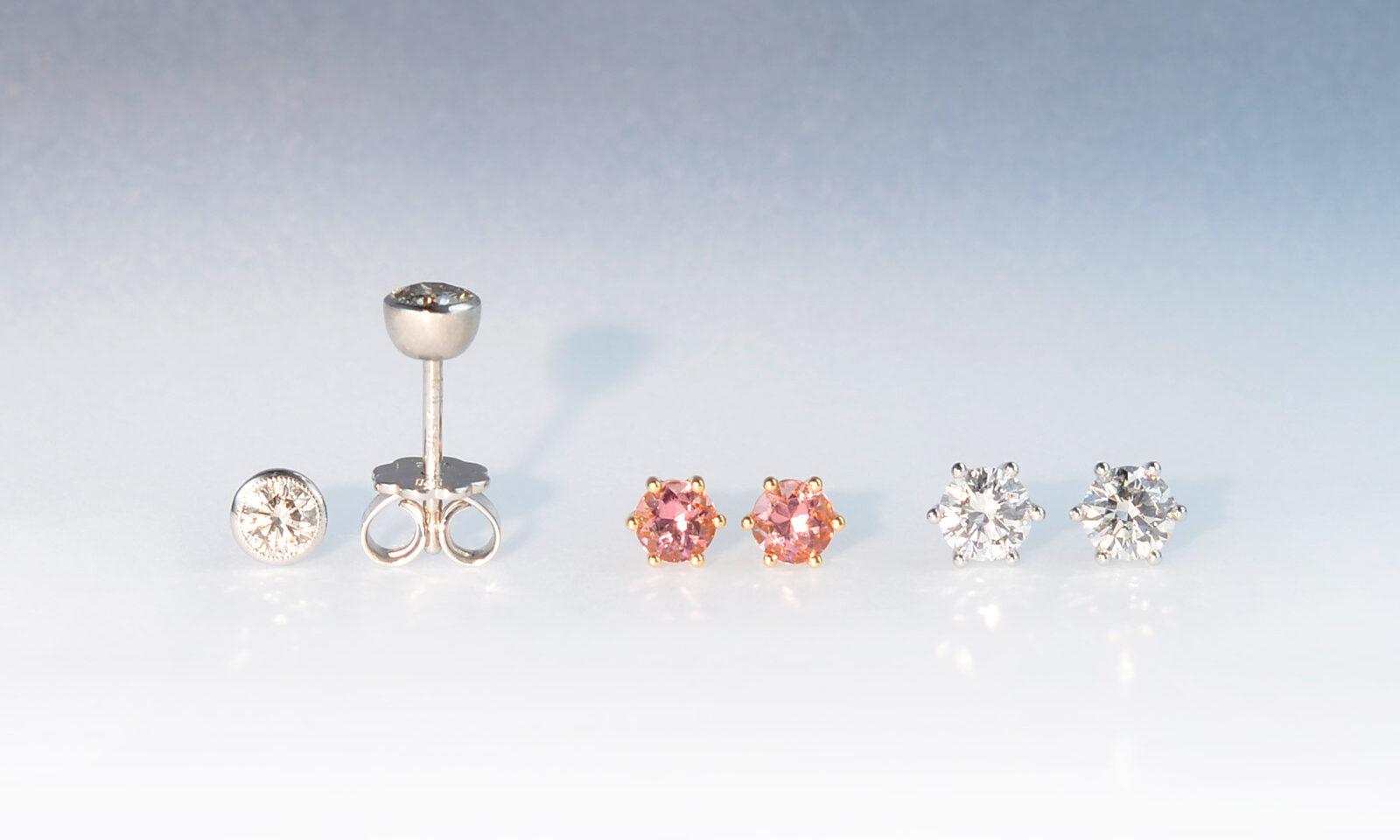 Ohrstecker turpink brillweiss. Ohrstecker Diamant getönt 3.9 mm 0.47 ct. Weissgold 750, CHF 2200.- / Turmalin rosa 4.0 mm, Roségold 750, CHF 950.- / Brillant TW si 4.55 mm 0.72 ct., Weissgold 750, CHF 4300.-