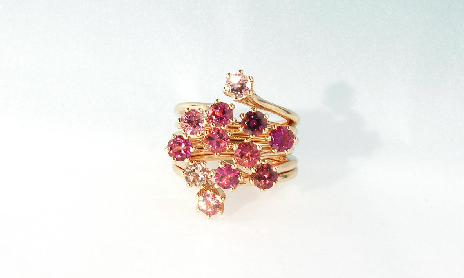 Ring Pink Turmalin. Ring Rotgold 750 mit 12 rosa Turmalinen d 4.0 mm, bestehend aus 6 einzelnen Ringen, CHF 11'500.-