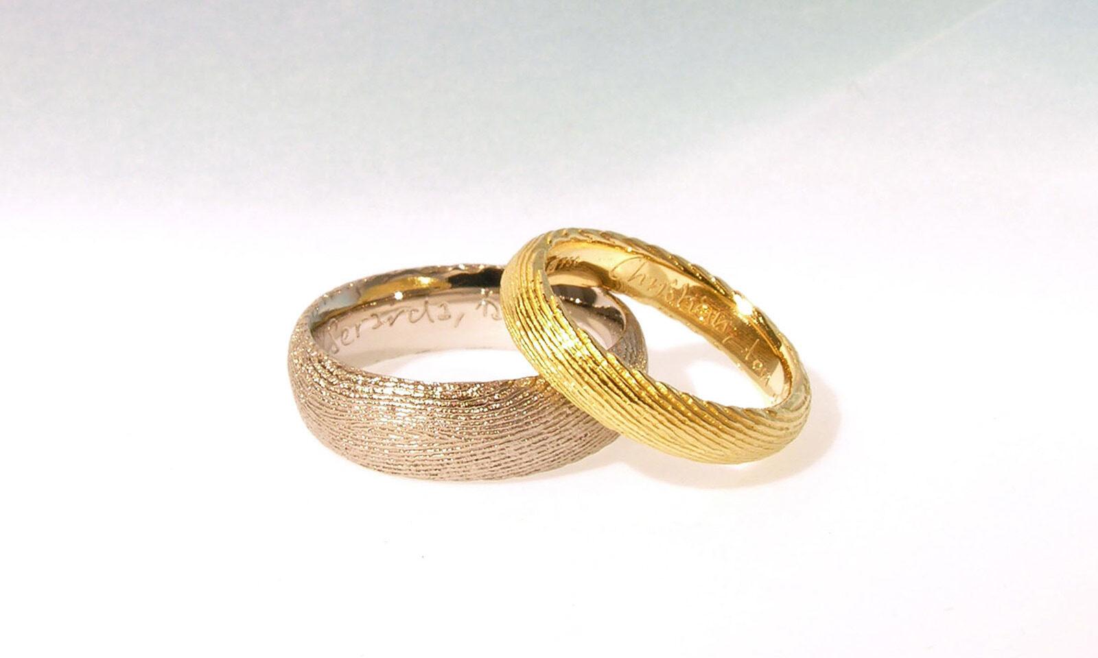 Ossa Sepia Trauringe. Ringe Ossa Sepia-Guss in Gelbgold 750 und Palladium 950, individuelle Anfertigung für Kunden